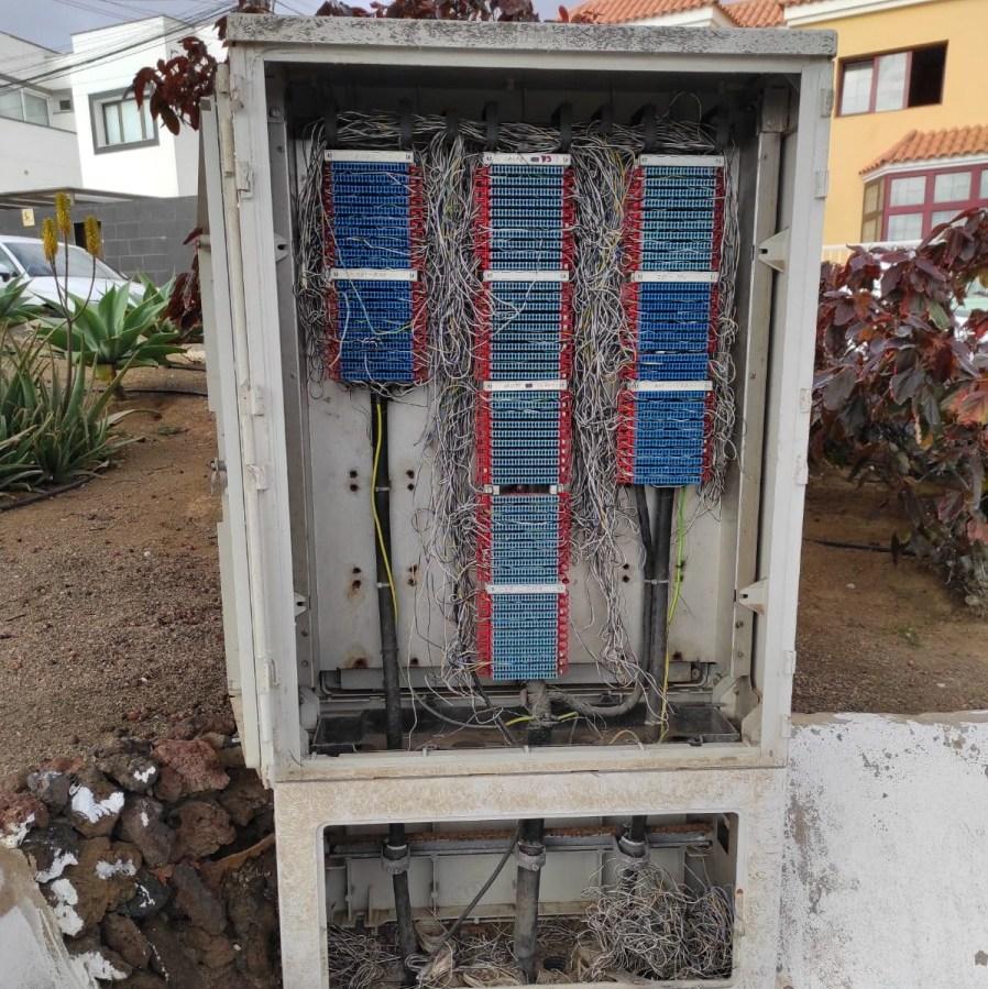CUADROS ELÉCTRICOS DESCUBIERTOS EN LA GARITA (TELDE).