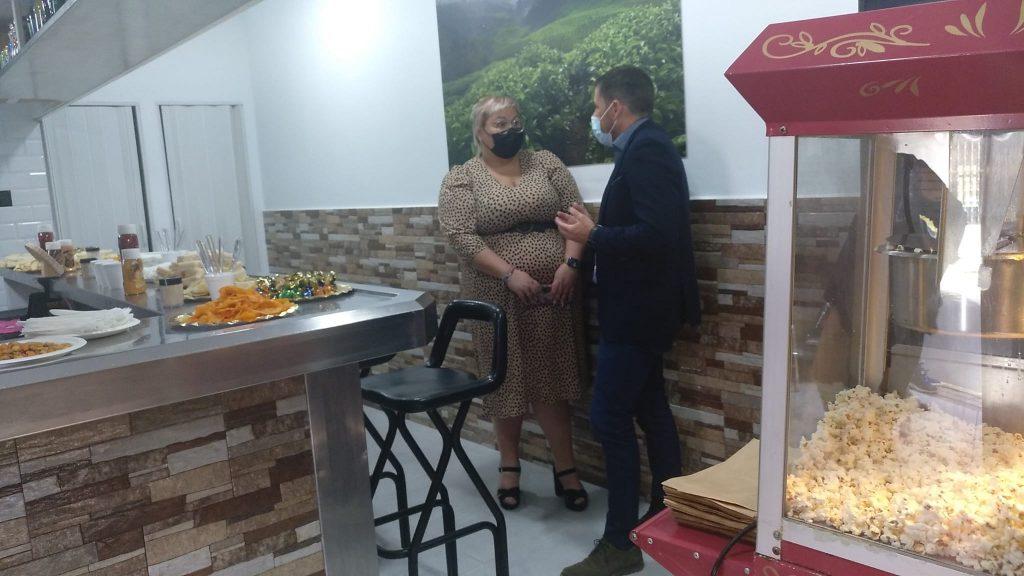 EL ALCALDE DE TELDE ASISTE A LA APERTURA DE UN NUEVO NEGOCIO EN LA ZCA DE SAN GREGORIO